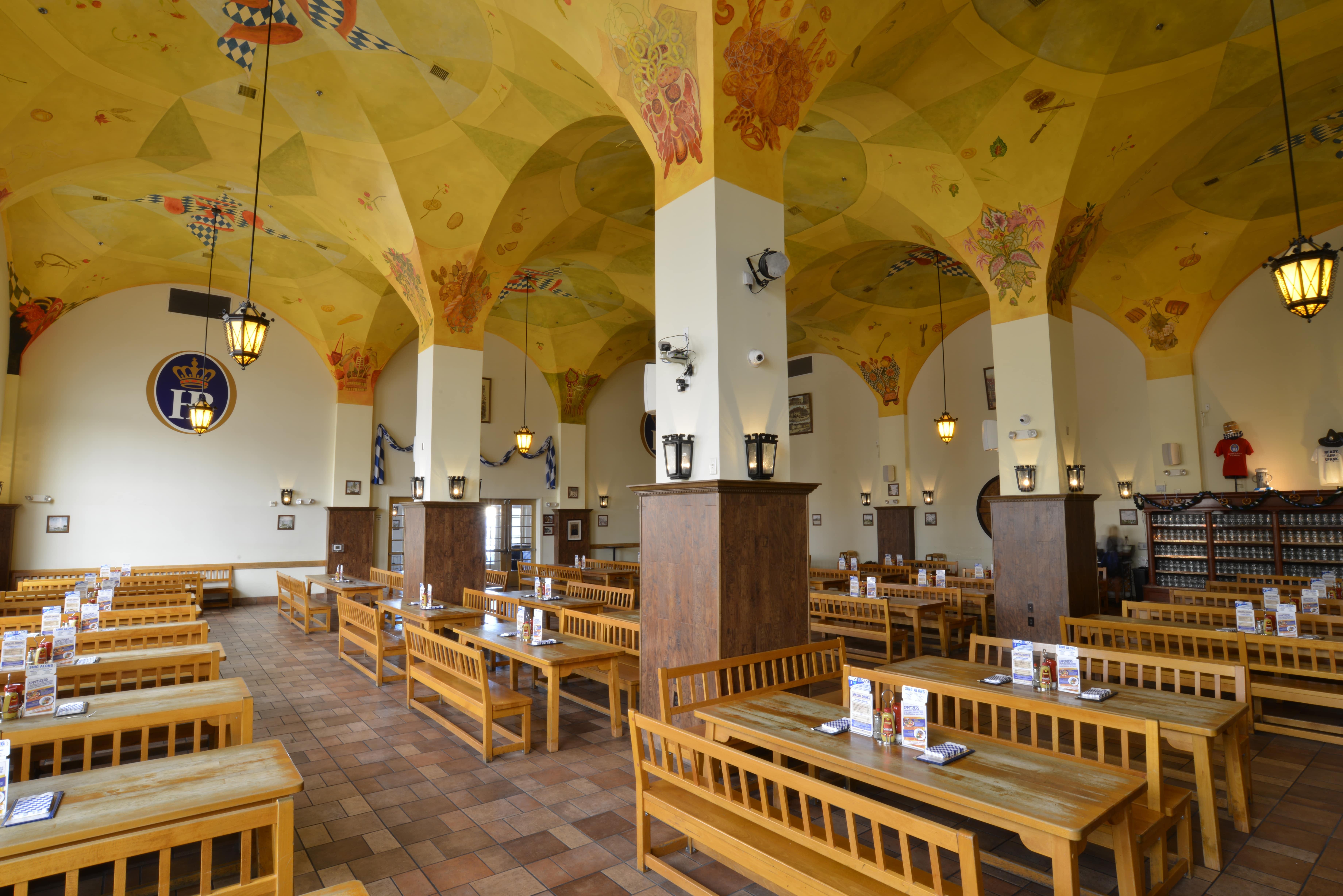 Main-Hall---Schwemme-min.jpg